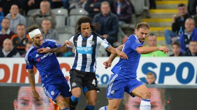 Chelsea 2-2 Newcastle: Willian rescata un punto para el Chelsea que todavía no levanta