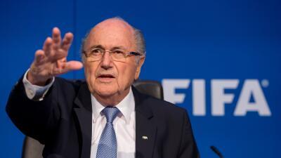 """Blatter: """"Estoy suspendido, pero no mudo"""""""