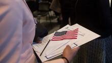 """""""Tiene que ser este año, no podemos esperar más"""": beneficiaria de DACA sobre reforma migratoria de Biden"""