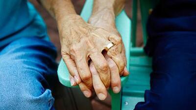Amor eterno: después de 71 años de matrimonio una pareja de ancianos murió sólo con 12 horas de diferencia