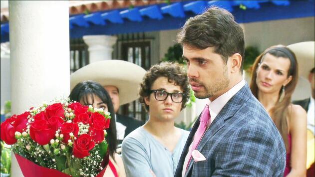 Cosita Linda - Olegario quiere recuperar el amor de Ana - Escena del día