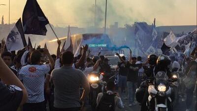 ¡Infierno albiazul! Afición de Rayados dio memorable recibimiento a Monterrey