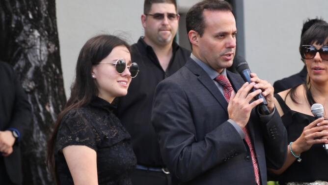 José Joel continúa pidiendo explicaciones a su hermana Sara Sosa sobre los cuidados que tuvo con su papá