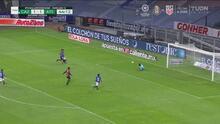 ¡Se salva Cruz Azul! Corona evita el gol de Víctor Malcorra