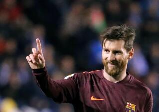 En fotos: un Messi brillante lleva al Barcelona a coronarse campeón de La Liga en Riazor