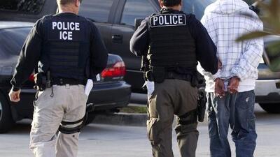 ICE confirma que inspeccionó 77 negocios de California en busca de indocumentados