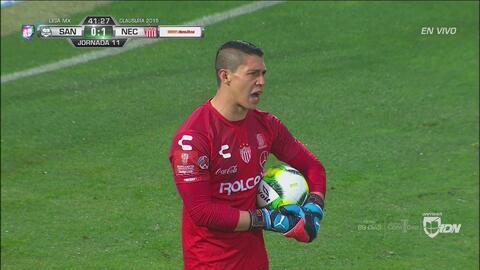 Hugo González se viste de héroe con doble reacción