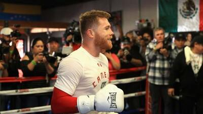 Billy Joe Saunders y Liam Smith tachan de tramposo a 'Canelo'