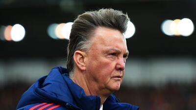 Van Gaal ve complicado regresar al triunfo ante Chelsea