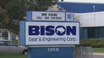 Trabajadores de Bison Gear & Engineering Corporation entran en huelga y exigen mejores condiciones laborales