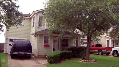 Pagó 5,000 dólares a compañía que prometía frenar el remate de su casa, pero la dejaron con más deudas y sin soluciones