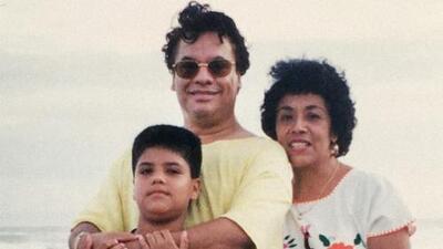 """Madre de Luis Alberto Aguilera: """"Juan Gabriel me dijo que me dejaba su esencia al embarazarme"""""""