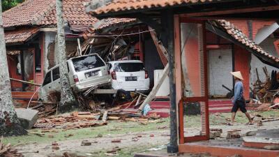 """En fotos: El rastro de devastación del """"volcán tsunami"""" en Indonesia"""
