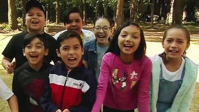 Con piñata, baile y mucha diversión: así celebran el Día del Niño los Pequeños Gigantes