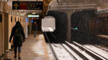 """""""Andamos con temor"""": usuarios del metro de Nueva York se quejan por falta de seguridad y limpieza en el sistema"""