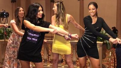 Mira cómo Alejandra Espinoza le enseña a bailar el 'Floss Challenge' a estas reinas de NBL (no todas se le da 😂)