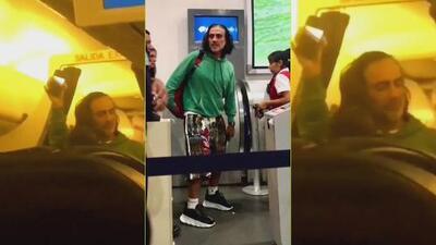 El video del momento cuando Alejandro Fernández habría causado pánico a los pasajeros de un avión