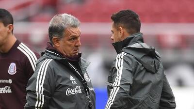 Martino confirma baja de Chicharito para Copa Oro