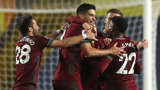 Raúl Jiménez no solo quiere ser goleador… ¡también asistidor!