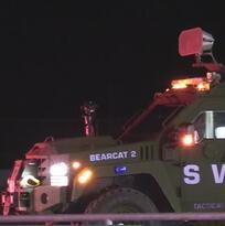 Un equipo SWAT arresta a un 'coyote' en un complejo de apartamentos al sur de Austin