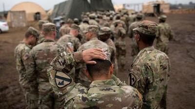 Gobernador de California desafía al gobierno federal y retira a cientos de soldados en la frontera