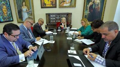 Gobernadora crea un grupo de apoyo interagencial para fondos federales y presupuesto del Departamento de Educación