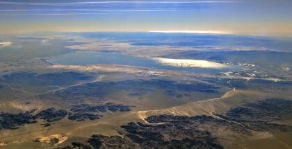 Sea Salton es un lago salino y poco profundo ubicado directamente en la falla de San Andrés, predominantemente presente en los valles Imperial y Coachella de California