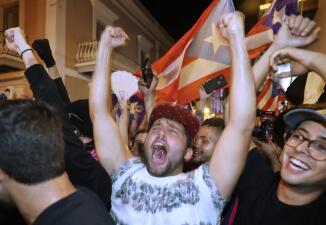 La euforia en las calles de Puerto Rico tras el anuncio de la renuncia del gobernador Ricardo Rosselló (fotos)
