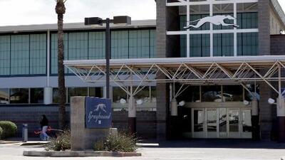 La empresa Greyhound no permitirá que ICE deje a inmigrantes en sus estaciones después de liberarlos
