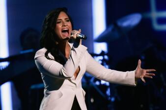 Demi Lovato y otros famosos que han superado las adicciones
