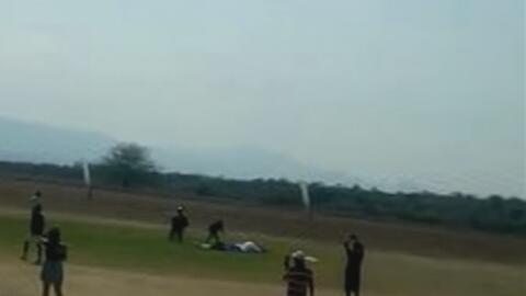 Un joven y su instructor mueren al lanzarse en paracaídas en México