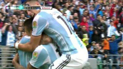 Goooolll!! Víctor Leandro Cuesta mete el balón y marca para Argentina