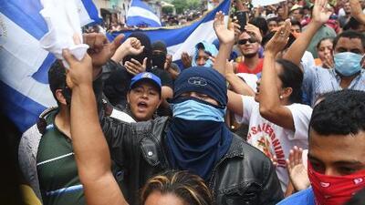 Se intensifica la violencia y la represión en Nicaragua en medio de los intentos por encontrar la paz