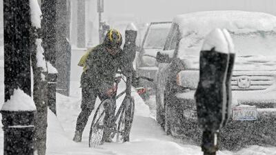 Frente frio en Estados Unidos causa serios problemas y trágicos accidentes