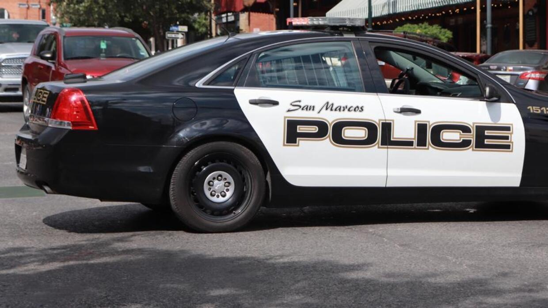 Dos personas mueren en un accidente con un camión en San Marcos - Univision