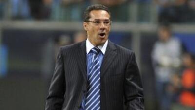 Conmebol suspendió por seis partidos a Vanderlei Luxemburgo