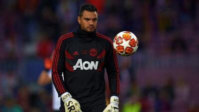 Manchester United pondrá a Sergio Romero de titular si David de Gea se marcha