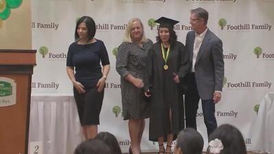 Este grupo de padres y madres adolescentes logran graduarse de la preparatoria y convertirse en un ejemplo de superación
