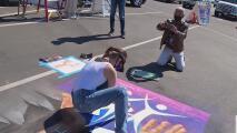 A un año de que iniciara la pandemia, esta exhibición de arte busca llenar de esperanza a la comunidad en Anaheim
