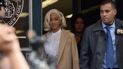 Cardi B se entrega a la policía tras ser acusada de agresión en un bar de Nueva York