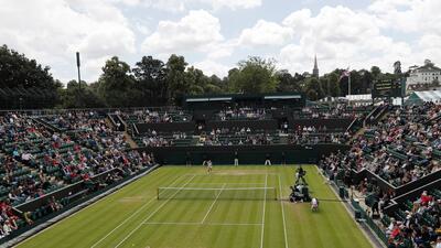 Wimbledon rinde homenaje a Santana en el 50 aniversario de su victoria