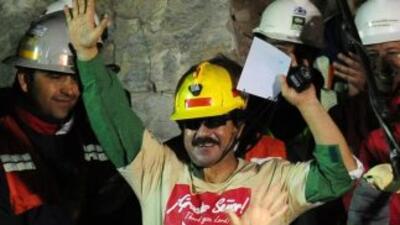 Mineros chilenos pedirán reabrir el famoso caso