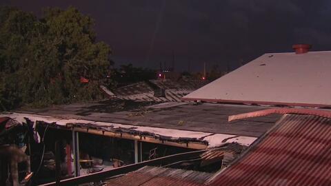 Voraz incendio en el noroeste de Miami consumió un negocio y causó graves daños