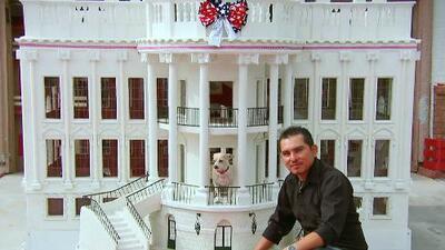 El diseñador hispano que creó una réplica de la Casa Blanca para perritos