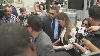 Emma Coronel llega a la corte de Brooklyn para escuchar la sentencia contra su esposo, 'El Chapo' Guzmán