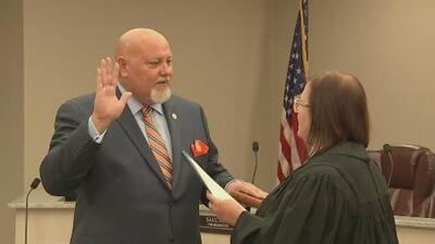 Orlando López toma posesión para su segundo término como alcalde de Sweetwater