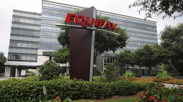 Equifax se compromete a pagar $700 millones en indemnizaciones individuales y multas por el hackeo de datos en 2017