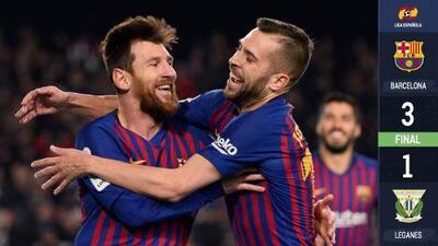 Messi dinamitó al Barcelona para sostenerse en lo alto de La Liga