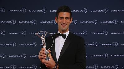 Djokovic y Serena ganan los Premios Laureus, que honraron a Johan Cruyff