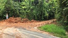 Cierran carreteras por deslizamientos de terrenos